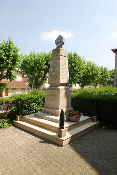 Monument aux morts Assieu